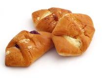 小圆面包干酪村庄被装载的果子果酱 免版税库存照片