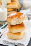 小圆面包牛奶 库存照片