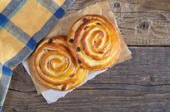 小圆面包用葡萄干 免版税库存照片