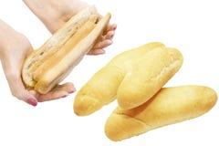 小圆面包用香肠和小圆面包热狗的 库存照片
