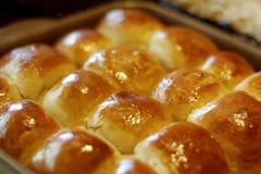 小圆面包直接从烤箱 图库摄影