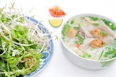 小圆面包cha加州或越南米细面条 免版税图库摄影