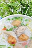 小圆面包cha加州或越南米细面条 库存图片