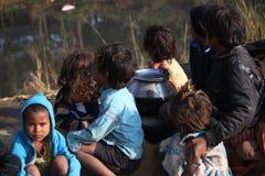 小地痞孩子画象  无家可归的孩子 库存图片