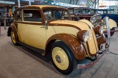 小型客车奔驰车130 W23, 1934年 免版税库存照片