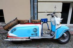 小型摩托车葡萄酒 库存图片