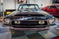 小型车谢尔比眼镜蛇GT 350敞篷车Tribute, 1968年 免版税图库摄影