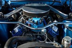 小型车Ford Mustang的引擎, 1968年 免版税库存图片