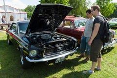 小型车Ford Mustang 库存照片