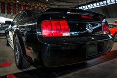 小型车Ford Mustang V6小轿车, 2006年 库存照片