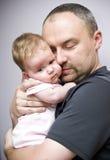 小女儿父亲 免版税库存照片