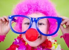小女孩佩带的狂欢节面具 库存照片