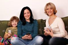 小女孩十几岁的女孩和妇女 免版税库存照片