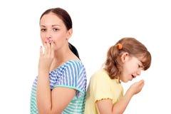 小女孩咳嗽 图库摄影