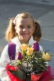 小女孩在第一天学校 免版税图库摄影