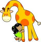 小女孩拥抱长颈鹿 免版税库存图片