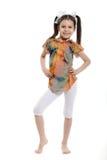 小女孩摆在 免版税库存图片