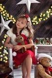 小女孩美丽的圣诞节画象  图库摄影