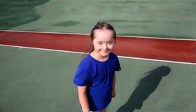 小女孩获得乐趣 图库摄影