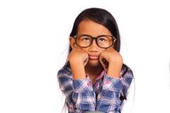 小女孩陈列乏味姿态 免版税库存图片