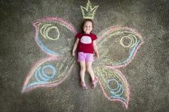 小女孩蝴蝶,喜悦 图库摄影