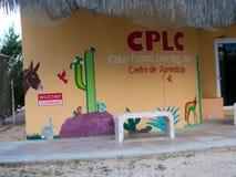 小学在小村庄在巴哈墨西哥 图库摄影
