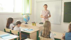 小学生积极参加类 教育,家庭作业概念 股票视频