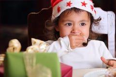 小孩儿纵向带着强烈的凝视 免版税库存照片