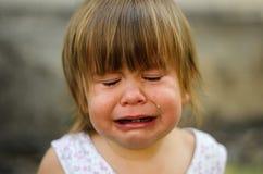 小孩哭泣 图库摄影