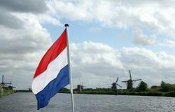 小孩堤防风车在荷兰 免版税库存照片