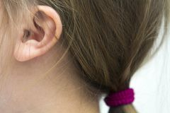小孩女孩头发的特写镜头图片 库存图片