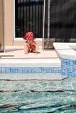 小孩游泳池安全 图库摄影