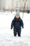 小孩男孩冬天画象  库存照片