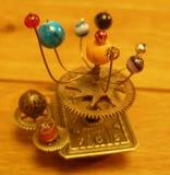 小家家的太阳系仪steampunk艺术小雕塑 免版税图库摄影