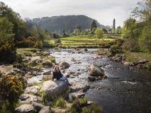 小小河艺术Glendalough在威克洛山脉爱尔兰 免版税图库摄影