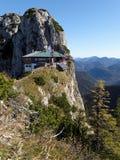 小屋在巴法力亚阿尔卑斯 库存照片