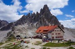 小屋在阿尔卑斯 免版税库存照片