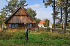 小屋在露天博物馆在奥尔什蒂内克(波兰) 库存照片