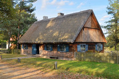 小屋在露天博物馆在奥尔什蒂内克(波兰) 库存图片