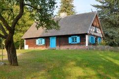 小屋在露天博物馆在奥尔什蒂内克(波兰) 免版税库存照片