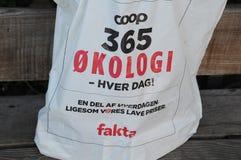 小屋365有机食品在FAKTA杂货店 库存照片