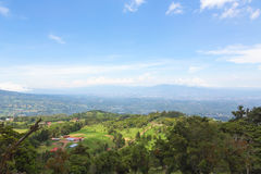 小山和山在哥斯达黎加 免版税库存图片