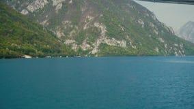 小山和湖的看法从小船 影视素材