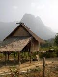 小山房子老挝高跷部落 免版税库存照片