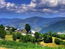 小山横向罗马尼亚天空 免版税库存照片