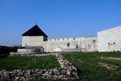 小山的中世纪堡垒在TeÅ ¡ anj上镇  免版税图库摄影