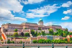 小山的匈牙利布达佩斯欧洲布达城堡 免版税库存照片