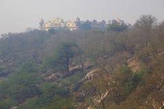 小山的宫殿 库存图片