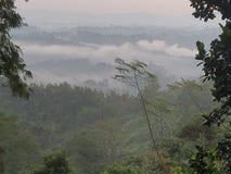 从小山的早晨视图 库存图片