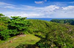 小山的看法和大西洋 库存照片